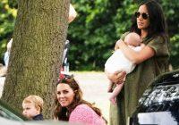 Atkal pārkāpa karaliskās ģimenes tradīcijas, izejot sabiedrībā ar bērnu